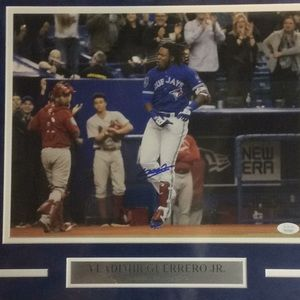 Vladimir Guerrero Jr Autograph Signed 11x14 photo